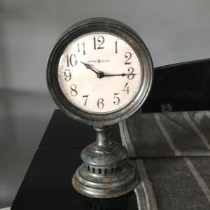 Howard Miller Decorative rustic Clock